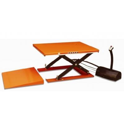 Table elevatrice fixe electrique avec rampe d'accès 1500 kg